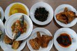 jenis menu rumah makan padang di restoran Sederhana Apartemen Sudirman Park Jakarta.