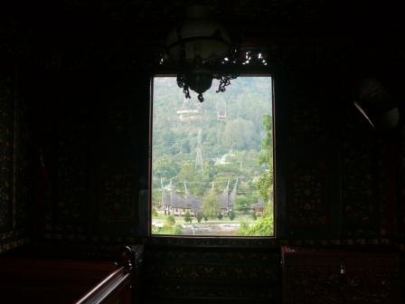 komplek di belakang istana basa pagaruyuang.