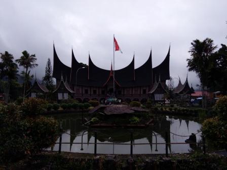 museum Bustanul Arifin di padang panjang.
