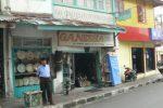 toko barang antik ganesha Jl. Teuku Umar.