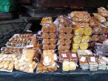 makanan kecil yang dijual di warung